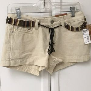 Bongo size 5 tan shorts with belt NWT